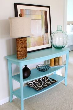 Love this table.  Maybe something similar painted green on our landing?