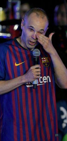 End of an era. ❤❤ #infinitiniesta #gracias #respect Steven Gerrard, Best Football Team, Football Soccer, Fc Barcelona, Premier League, Don Juan, Club, Lionel Messi, My Idol