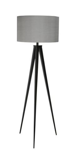 Stehleuchte Tripod Schwarz / Grau. Lampenschirm auseinander gebaut.Zur Verwendung mit Leuchtmittel E27/max. 75 Watt.Stromkabel mit Fußschalter.Lieferung ohne Leuchtmittel. Material:Gestell aus Stahl farbeschichtet, 124cm hoch.Lampenschirm aus Textil, zerlegt. Farbe: Gestell in schwarz, Lampenschirm in grau. AbmessungenLampenschirm: Ø 50 cm; Höhe 30 cm.Gesamthöhe 157 cm. Gewicht: 3,8 kg.