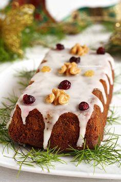 Receita de bolo de frutas natalino sem glúten e sem lactose com benefícios para saúde!