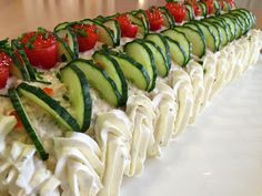 Liian hyvää: Voileipäkakkurulla tonnikalasta Sandwich Cake, Sandwiches, Food N, Food And Drink, Lemon Curd, Fruits And Vegetables, Cheesecakes, Cucumber, Zucchini