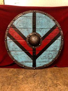 Torvi the Shieldmaiden Viking Shield Lagertha, Larp, Escudo Viking, Viking Shield Design, Viking Birthday, Plantas Versus Zombies, Celtic Shield, Mermaid Halloween Costumes, Nordic Vikings