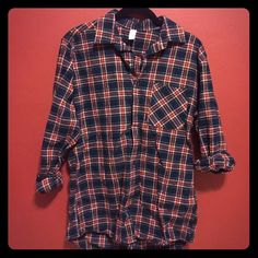 American Apparel Flannel Gently loved American apparel flannel American Apparel Tops Button Down Shirts