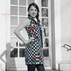 JEU DE CRAVATE - robe de cocktail personnalisée écoresponsable en échantillons et chutes de tissus #mahliakent & cravate usagée MISS FAB  #petiterobeapart #robepersonnalisee #robepersonnalisable #modeecoresponsable #faitmain #fabriqueenfrance #madeinfrance #missfab #fabiennedimanovparis #robemerefille APPRENONS ENSEMBLE A CONSOMMER AUTREMENT!  #consommerautrement #consommerlocal #artisandart #lovetheplanet #artisansdart91 One Shoulder, Shoulder Dress, Dresses, Fashion, Fabrics, Fashion Styles, Vestidos, Moda, Dress