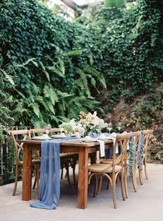 Tropical tablescape | Hawaii Tropical Wedding Inspiration | OMalley Photographers | Fine Art Photography