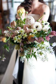 organic purplish pink and yellow bridal bouquet | floral design: saipua | photo: 1artbeautylife.com