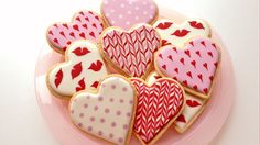 Learn how to decorate cookies for Valentine's Day using the royal icing wet on wet technique to create a variety of designs. Visit my blog for more info on t...