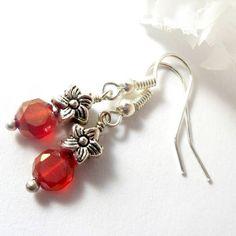 Cute dainty summer earrings!  In my EnchantedRoseShop - link in bio.  #jewelry #jewelrygram #earrings #accessories #fashion #style #luxurystyle #instajewelry #jewelryforsale #selfmade #etsyhandmade #etsyjewelry #etsyseller #bling #design #instadaily #jewelrygram #new #etsy #selfemployed #usa #madeinusa #pottiteam #enchantedroseshop #valleerose #fashionjewelry #fashion #dressedup #ontrend #boutiques
