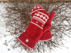 Red Recycled Sweater Mittens fair isle mittens by KatesHandiwork