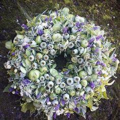 Tulle Wreath, Diy Wreath, Floral Wreath, Blue Christmas Decor, Christmas Wreaths, Wreaths For Front Door, Door Wreaths, How To Make Wreaths, Flower Decorations