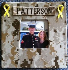 marine corp picture frame! I am so gonna make this!