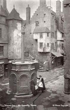 The mercat cross old Edinburgh
