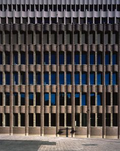 The site for the head office of the Bremer Landesbank is a public platform from which the institution should project itself. Amongst the structures gathered together at Bremen's . Brick Architecture, Classic Architecture, Sustainable Architecture, Beautiful Architecture, Caruso St John, Building Skin, Metal Cladding, Remodels And Restorations, London House
