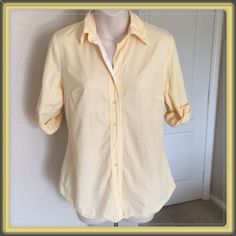 """♣️ Splendid Egyptian cotton button down shirt This is a Splendid fitted collared button down shirt. 3/4 sleeves and made of 100% Egyptian cotton. Size small - light yellow. Bust 34"""" waist 32"""" length 27"""". TradesModeling ✅Smoke free home✅  ✅Offers considered✅ Please use the blue 'offer' button to submit an offer.   Bundle 2 or more items for an automatic 15% discount. James Perse Tops Button Down Shirts"""