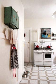 Deb Perelman Kitchen deb perelman's tiny smitten kitchen rental