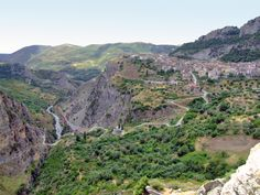 Civita, uno dei borghi più belli d'Italia e il suo canyon del Raganello.