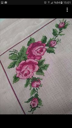 This Pin was discovered by Rey Cross Stitch Borders, Cross Stitch Rose, Cross Stitch Flowers, Cross Stitch Patterns, Embroidery Applique, Embroidery Stitches, Bargello, Christmas Cross, Crochet