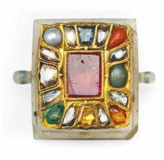 unusual and beautiful . Diamond-Set Jade Pendant (Navratna) North India or Deccan Century Mughal Jewelry, Ethnic Jewelry, Indian Jewelry, Antique Jewelry, Vintage Jewelry, Byzantine Jewelry, Antique Gold, Jade Pendant, Pendant Set