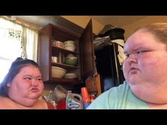 '1000-LB Sisters' Season 2 premieres on January 4 and there's some info you need to know. Especially if you missed the first season on TLC.