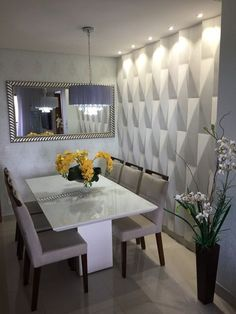 Questioning how to plan the absolute dining room? All the dining room thought that you need to your interior design project are on this board. Get a look and let you inspiring! See more clicking on the image. Luxury Dining Room, Dining Room Design, Diy Room Decor, Living Room Decor, Home Decor, Esstisch Design, Dinner Room, Dining Room Inspiration, Inspiration Design