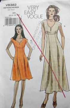 Vintage Vogue Patterns, Vogue Sewing Patterns, Vogue Dress Patterns, Summer Dress Patterns, Petite Dresses, Size 14 Dresses, Miss Dress, Pattern Cutting, Couture