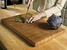 great diy for a butcher block cutting board via readmade magazine . Diy Cutting Board, Butcher Block Cutting Board, Butcher Blocks, Diy Kitchen Island, Do It Yourself Projects, Handy Man, Diy Projects, Diy Crafts, Diy Stuff