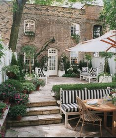 Outdoor Spaces by Carleton Varney, Alessandra Branca, Mary McDonald and Carolyne Roehm