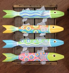 Shelf of Wooden Fish pieces) Fish Crafts, Beach Crafts, Seahorse Crafts, Folk Art Fish, Fish Art, Metal Fish, Wood Fish, Driftwood Projects, Driftwood Art