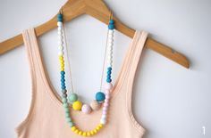 okissia: collares , pulseras,... fáciles de hacer.