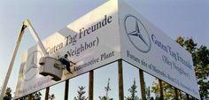 Schild vor Daimlers US-Werk in Tuscaloosa (Alabama): Der Süden der USA zieht zahlreiche Unternehmen an. Nun zieht #Mercedes #USA auch mit seinem Hauptsitz in die Nähe des Werkes und verlegt Hauptsitz nach #Georgia