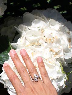 http://www.sarah-jewels.com/producto/anillo-gemelar-brillante-oro-amarillo-18k/