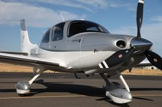 Gorgeous SR22 Turbo - loaded GTSx configuration with Air Conditioning, Dual Garmin 650's, and DFC90 autopilot upgrade, including 3 years Avidyne AeroPlan warranty! =>