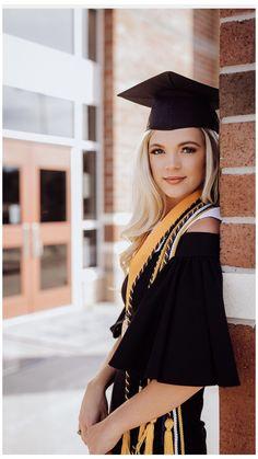 Nursing Graduation Pictures, College Graduation Photos, College Senior Pictures, Graduation Picture Poses, Graduation Portraits, Graduation Photoshoot, Graduation Photography, Grad Pics, Graduation Ideas