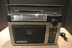 GE Superadio Model 7-2880B WORKS GREAT w/ 200mm Ferrite AM Rod Antenna NICE