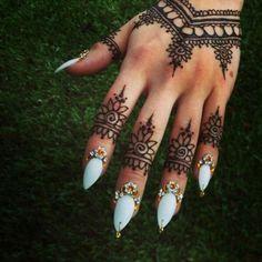 Arabic nails