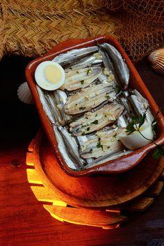 Los boquerones en vinagre, una delicia del sur / The anchovies in vinegar, a delight from South Tapas, Food Spain, Spanish Food, Andalusia, Other Recipes, Dairy Free, Delish, Food And Drink, Italy