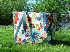 Insulated Picnic Tote tutorial @ Sew Mama Sew