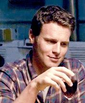 """) """"under the cut are 145 gifs of jonathan groff. all of the gifs below the read more are small to medium as well as high quality. i did not make any of these gifs nor do. Most Beautiful Man, Beautiful People, Jonathon Groff, Lin Manuel Miranda Quotes, Shades Of Gold, Fangirl, Musicals, Handsome, Actors"""
