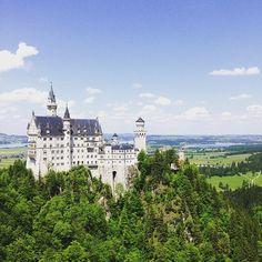 Neuschwansteinin linna, #Saksa. Kiitos kuvasta @idaloveslife - komeaa! #linna #mondolöytö #mondolehti