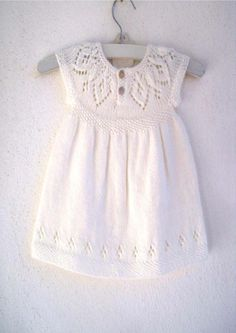 """""""Ravelry: Jasmine Dress pattern by Suzie Sparkles"""", """"Til lillesøster og storesøster"""", """"This post was discovered by Snu"""" Knitting For Kids, Baby Knitting Patterns, Baby Patterns, Dress Patterns, Pattern Dress, Free Knitting, Crochet Patterns, Knit Baby Dress, Knitted Baby Clothes"""