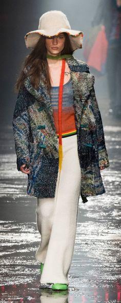 Missoni Fall-winter 2018-2019 - Ready-to-Wear - http://www.orientpalms.com/Missoni-7160 - ©ImaxTree