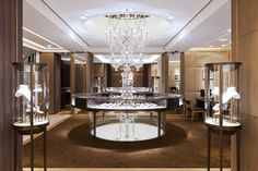 A custom giant chandelier by Barovier&Toso for Cartier boutique in Milan