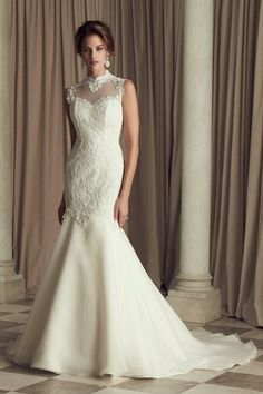 Lace illusion tunic bodice with sweetheart neckline and Mandarin collar. STUNNING! #weddingdress #gown {@palomablancawed}