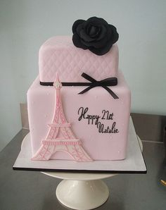incredible cake - Eiffel Tower - Paris birthday party - I wouldn't mind if someone had this cake made for my birthday!