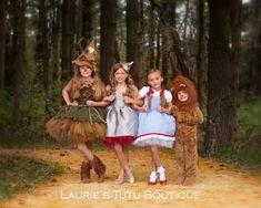 Items similar to Wizard of Oz Scarecrow Dress on Etsy Tin Man Costumes, Family Halloween Costumes, Baby Costumes, The Wizard Of Oz Costumes, Ghost Costumes, Kids Costumes Girls, Trendy Halloween, Halloween Halloween, Vintage Halloween
