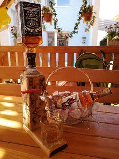 Men valentines day gift Whiskey Dispenser gift birthday Gift for husband Alcohol gift husband for him,Jack Daniels,Vodka, Liquor dispenser. Birthday Gifts For Husband, 40th Birthday Gifts, Fathers Day Gifts, Valentine Day Gifts, Valentines, Whiskey Dispenser, Alcohol Dispenser, Drink Dispenser, Christmas Gifts For Boyfriend