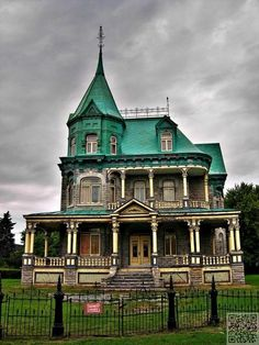 Quebec, Canada - Still Beautiful #Abandoned Buildings