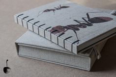 Ant criss cross binding, by zz books