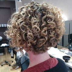 THE UK's FIRST DEDICATED CURLY HAIR SALON The Spring salon experience is all about the curl; whether you have kinks, waves, curls or coils. Our unique Curl-by-Curl® method cuts each individual curl in its dry state showing the curl's true resting length Short Permed Hair, Short Curly Haircuts, Curly Hair Cuts, Permed Hairstyles, Pretty Hairstyles, Curly Hair Styles, Curly Hair Salon, Rocker Hair, Deva Cut