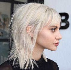http://styleskinner.com/50-medium-layered-haircuts-fine-hair/2/